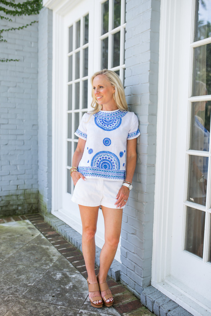 Alicia Wood, Dallas Fashion Blogger, Dallas Lifestyle Blogger, Dallas Food Blogger, Blue and White Beaded Top, Tommy Bahama Top, Tommy Bahama Women's Giltter Moon Linen Top, Beaded linen Top,