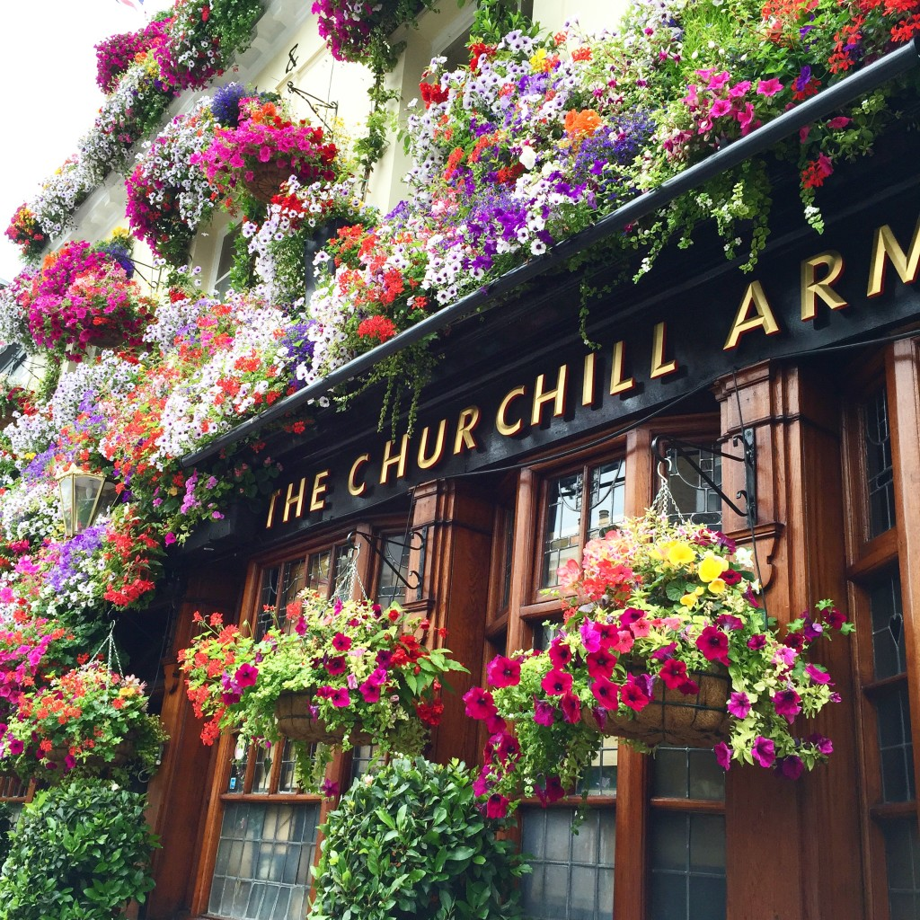 Churchill Arms, London in Four Days, Itinerary for London, See London in Four days, London with Kids, Dallas Lifestyle Blog, Dallas Fashion Blog, Dallas Travel Blog, How to see London in Four Days