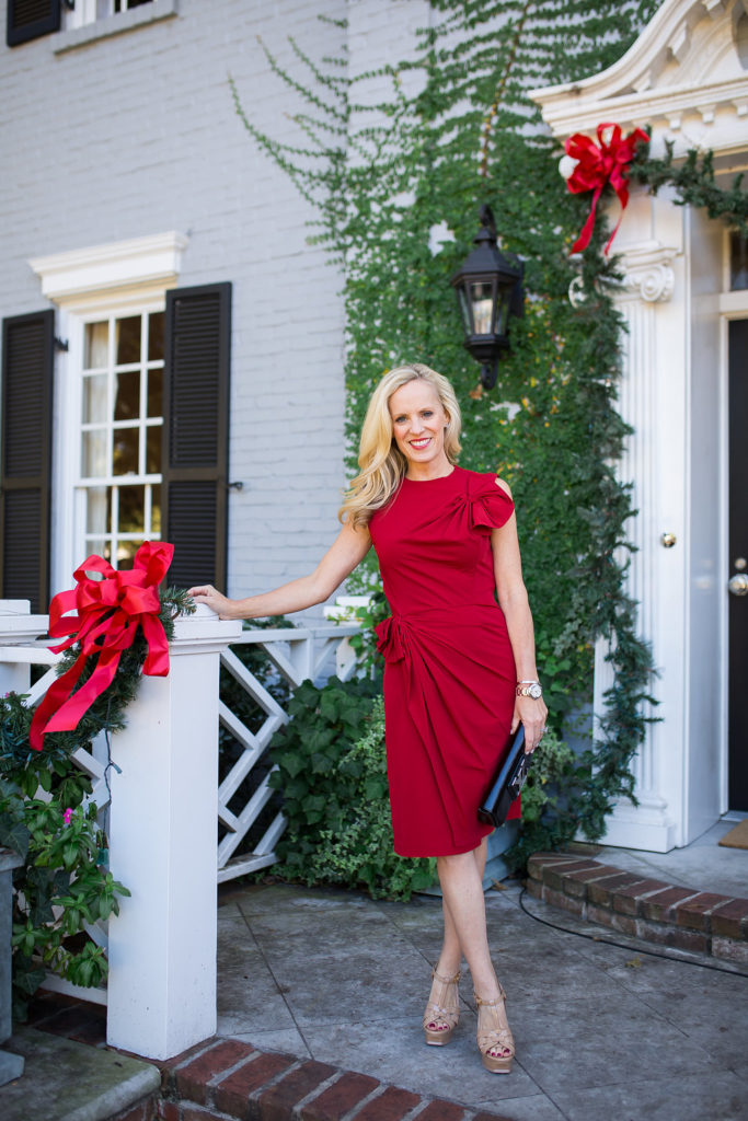 Alicia Wood, Dallas Fashion Blogger, Dallas Lifestyle Blogger, Best Red Dresses, Why you need a Red Dress, Best Holiday Dresses 2016
