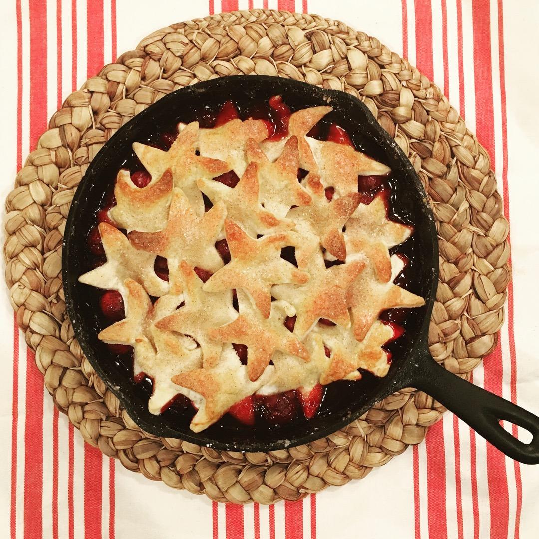 Cherry Pie, Skillet Pie, Dallas Food Blogger, Dallas Food Blog, Dallas Lifestyle Blog, Dallas Fashion Blog, Fresh Cherries, How to make a skillet pie