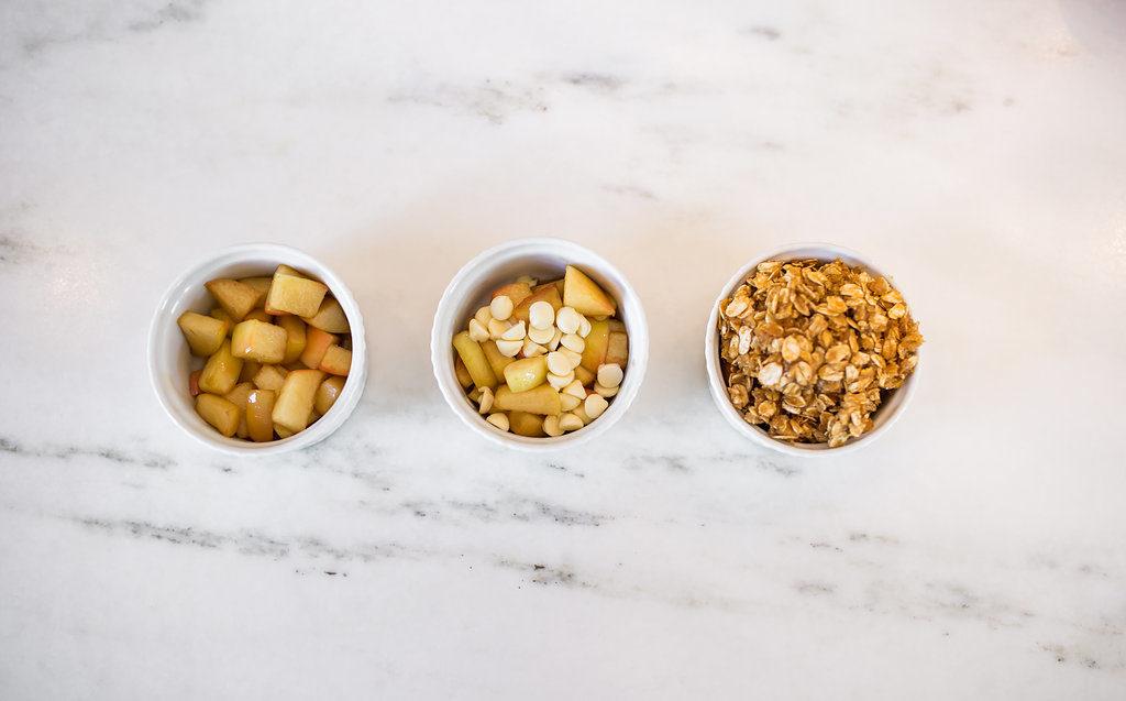 how to make caramel apple crisp