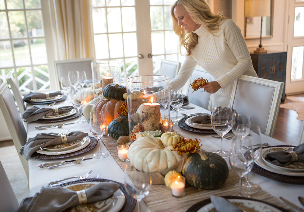Elegant thanksgiving tablescape the lush list dallas for Elegant table setting for thanksgiving