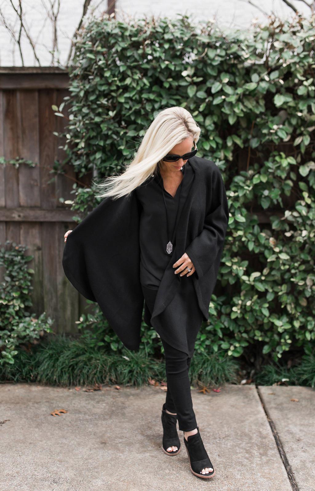 Alicia Wood, Dallas Lifestyle Blogger, Dallas Lifestyle Blog, Classic Black Cape