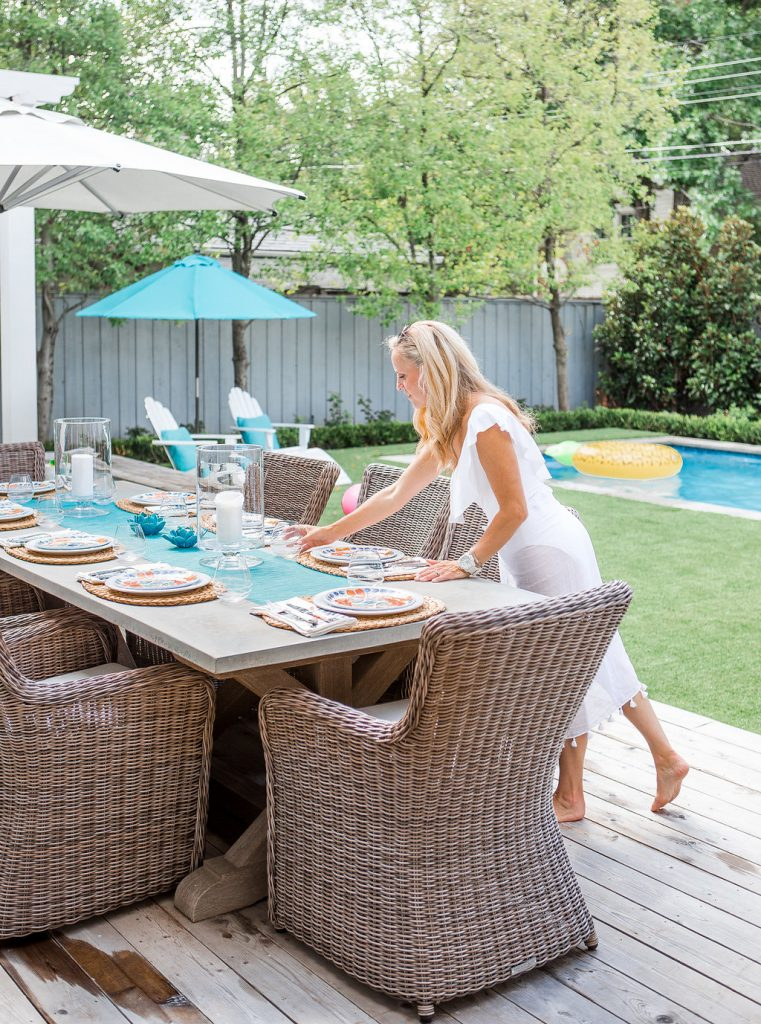 Alicia Wood, Dallas Lifestyle Blogger, Juliska Outdoor Dinnerware, Juliska Oceanica Plate, Outdoor Entertaining in Dallas