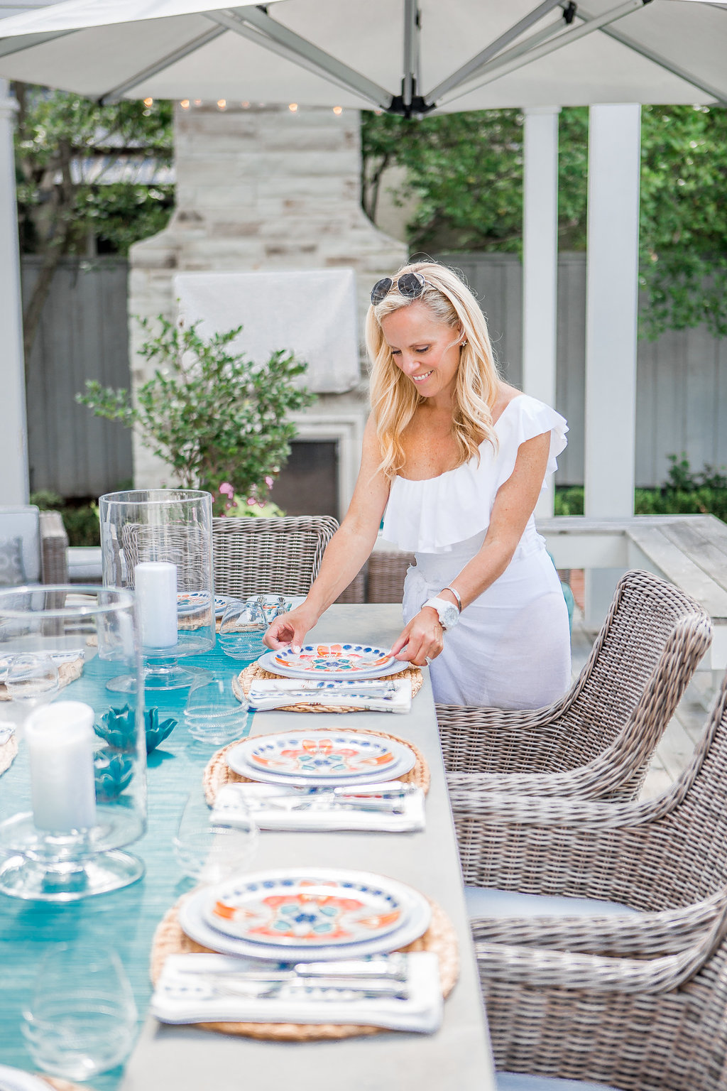 Alicia Wood, Dallas Lifestyle Expert, Dallas Lifestyle Blogger, Dallas Fashion Blogger, Juliska Melamine Dinnerware, Outdoor Entertaining