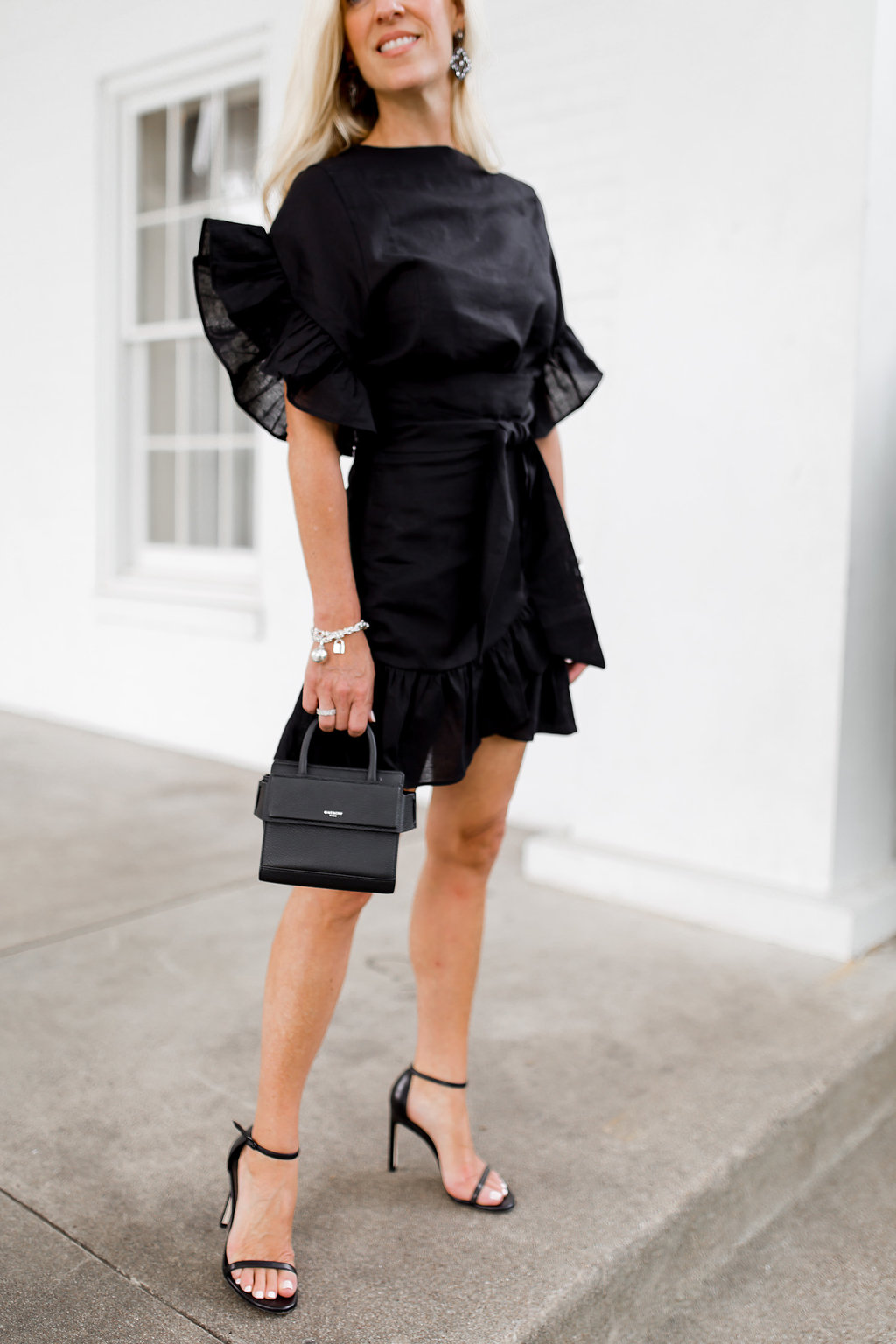 Alicia Wood, Dallas Lifestyle Blogger, Dallas Fashion blog, Storets Jenny Dress, Best LBD for Holiday Parties