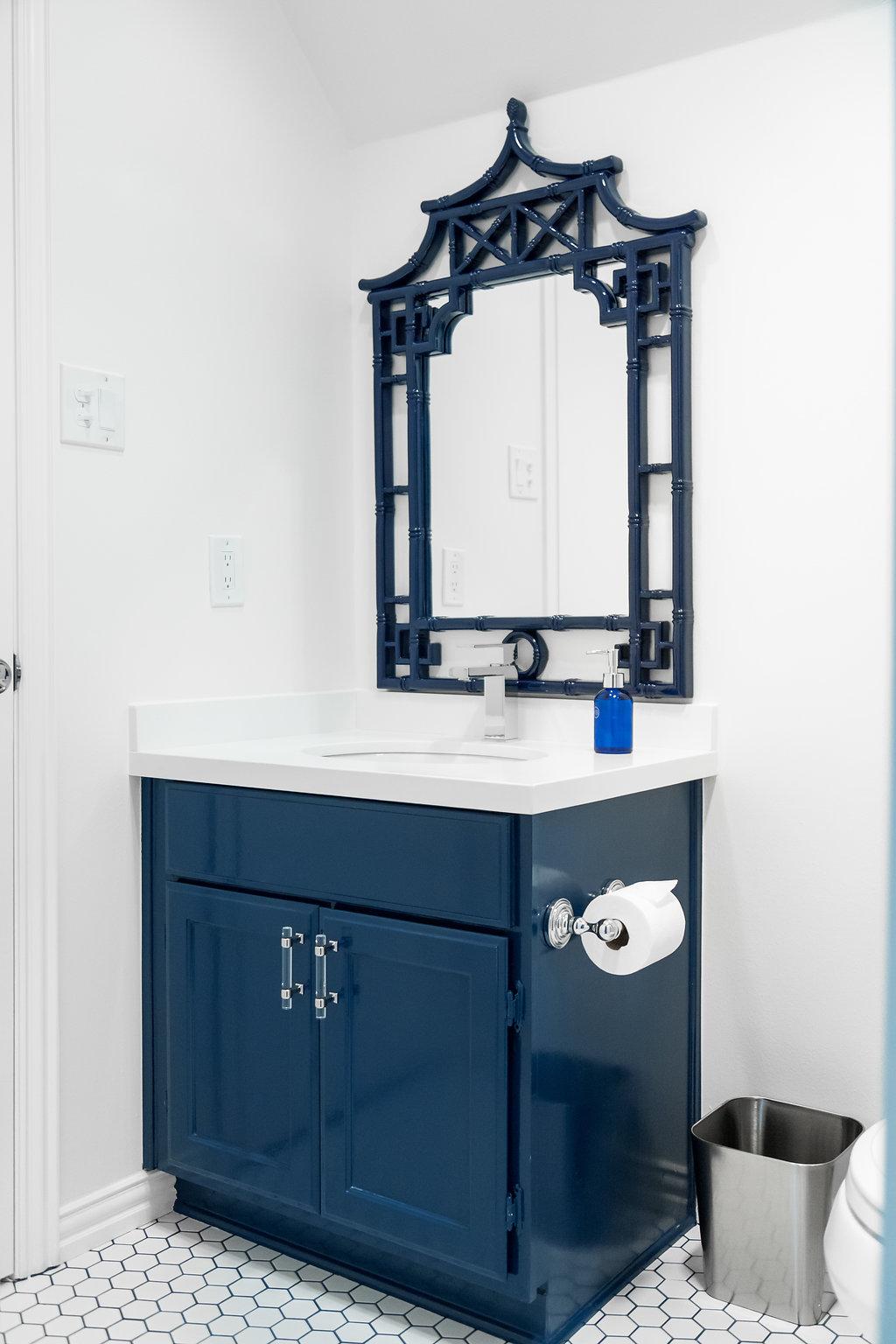 Dallas Renovation, Pool Bath, Navy and White Bath, #Wayfair1roomreno, Navy Pagoda mirror