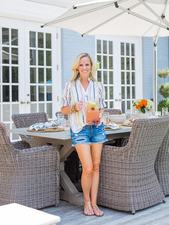 Alicia Wood, Dallas Lifestyle Expert, Dallas Fashion Blogger, Dallas Lifestyle Blogger, Juliska Oceana Dinnerware, Bamboo Flatware, Outdoor entertaining in Dallas, Outdoor Dining Ideas