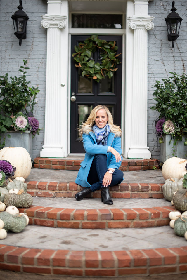 Alicia Wood, Dallas Lifestyle Expert, Dallas Fashion Blogger, Dallas Lifestyle Blogger, Talbot's Fall collection, Creating a Warm Welcome Home, Chic Fall Pumpkins, Glamorous Pumpkin Display