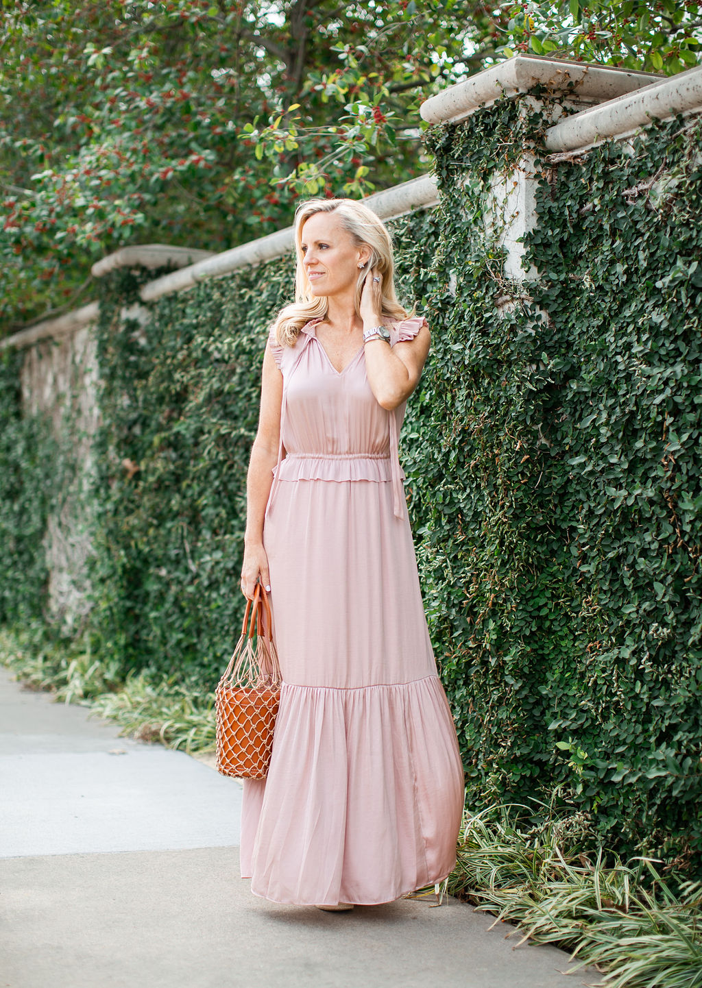 Alicia Wood, Dallas Lifestyle Expert, Dallas Fashion Blogger, Dallas Influencer, Alicia Wood Lifestyle, Banana Republic soft satin maxi dress