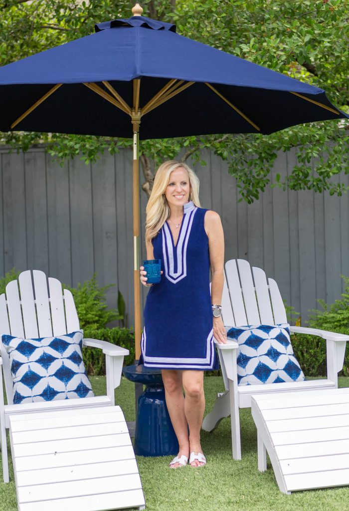 Alicia Wood, Dallas Lifestyle Expert, Blue and White Outdoor Living Area