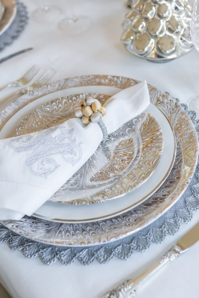 Gold and Silver Tablescape, Juliska Firenze Plates, Juliska Puro Platinum dinner Plate, Silver Placemats
